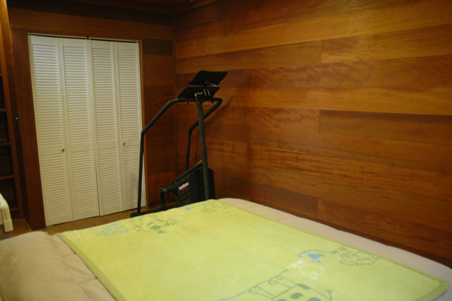 Guest bedroom with Stairmaster