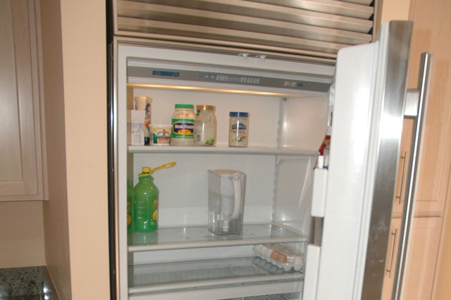 Full size sub zero fridge